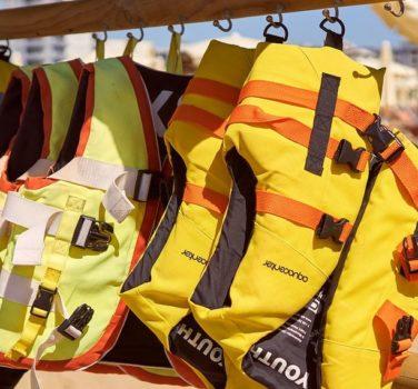 gilet de sauvetage pour plus de sécurité en bateau
